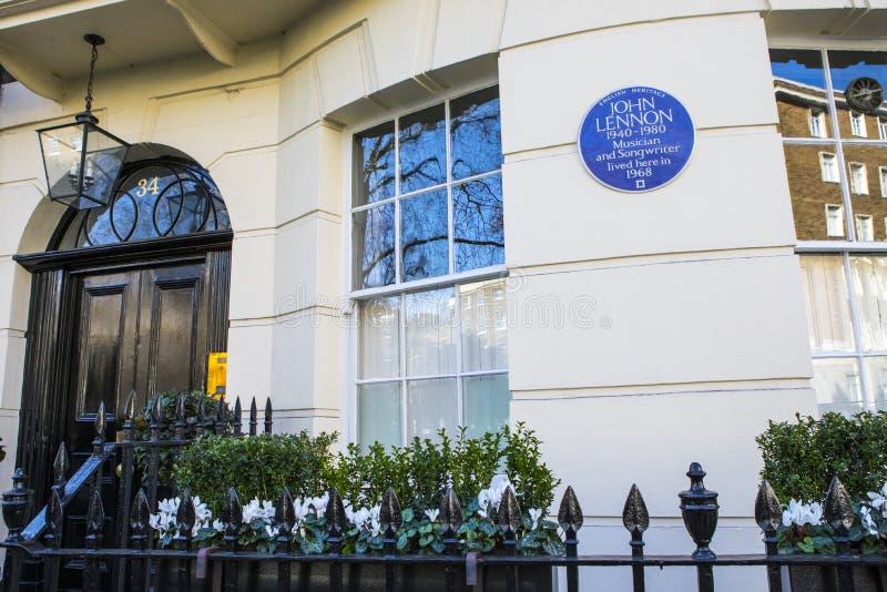 Металлическая пластинка Джон Леннон в Лондоне стоковые фото