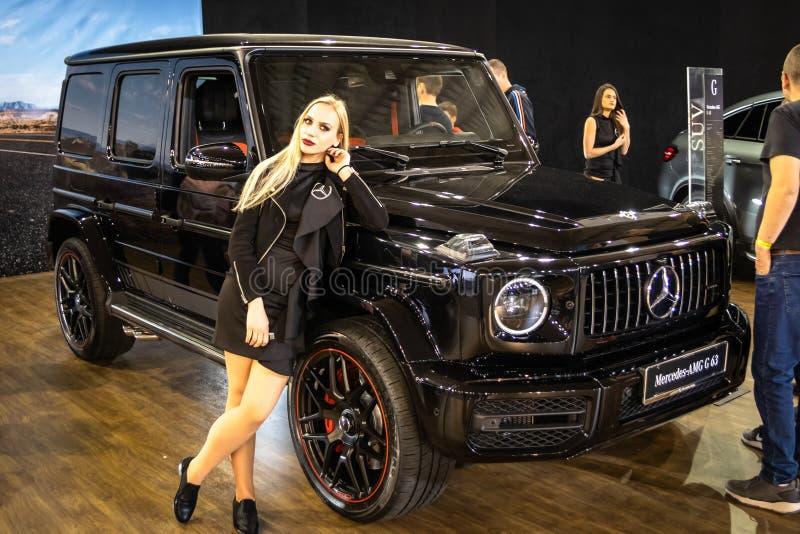 Металлический черный класс Мерседес g на 54th автомобиле и мотор-шоу Белграда международном стоковые изображения