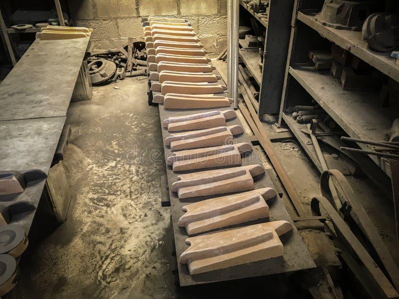 Металл отливки в процессе стоковая фотография