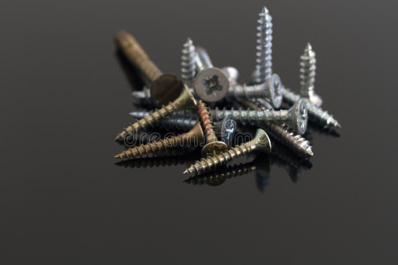 Металл и латунные винты стоковое изображение rf