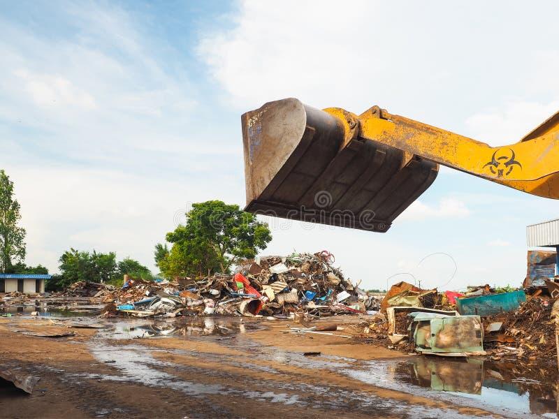 Металл рециркулирует junkyard стоковые изображения