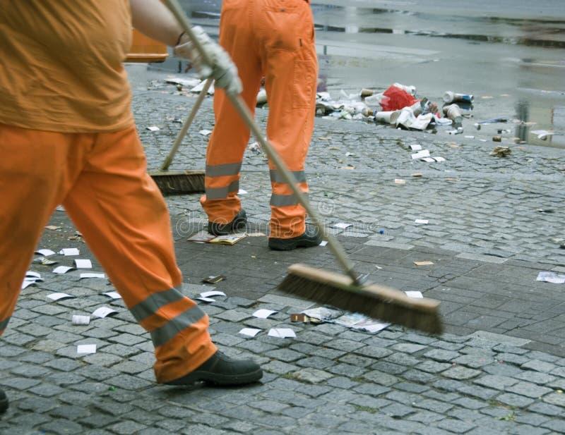 метельщики улицы стоковая фотография