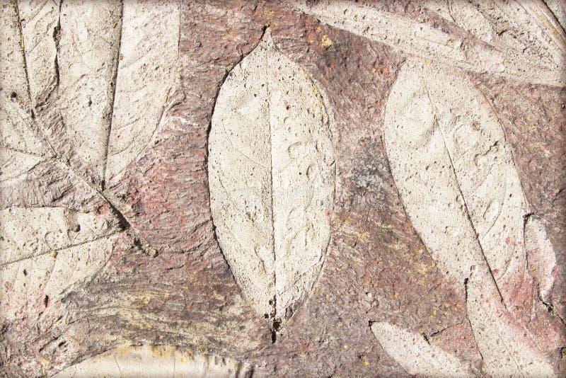 Метки лист на конкретной мостоваой стоковые фото