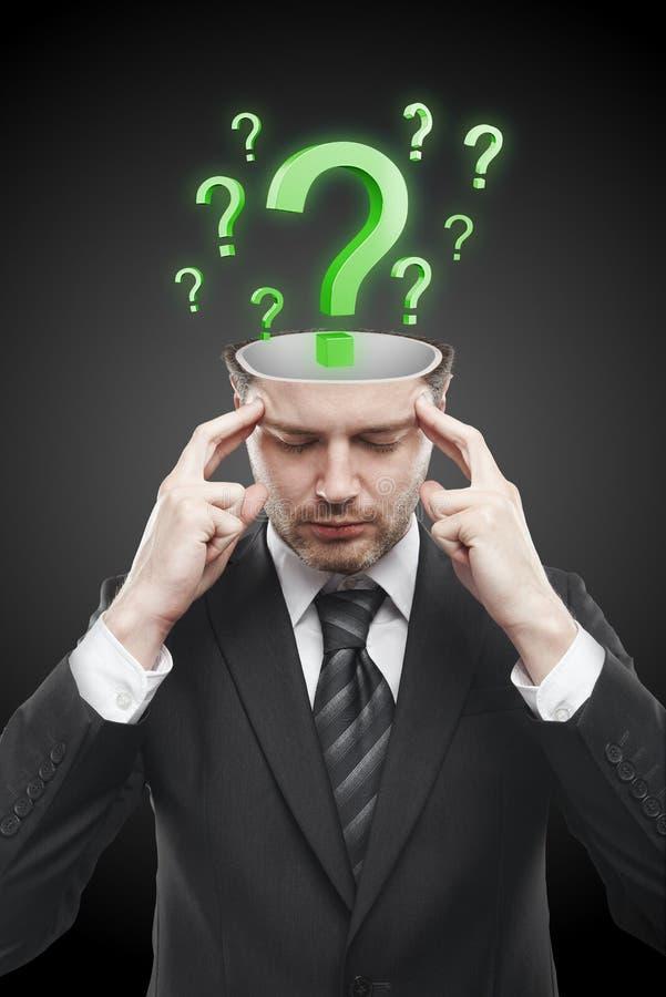 метки человека зеленого цвета внутренние запомнили открытый вопрос стоковое изображение