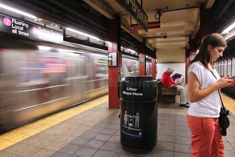 Download Метро Нью-Йорка редакционное изображение. изображение насчитывающей railroad - 41654375