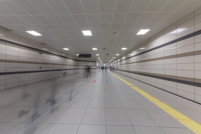 Метро Стамбула Метро, часть Стамбула a перехода центра города обеспечено на метро в Стамбуле стоковые изображения rf