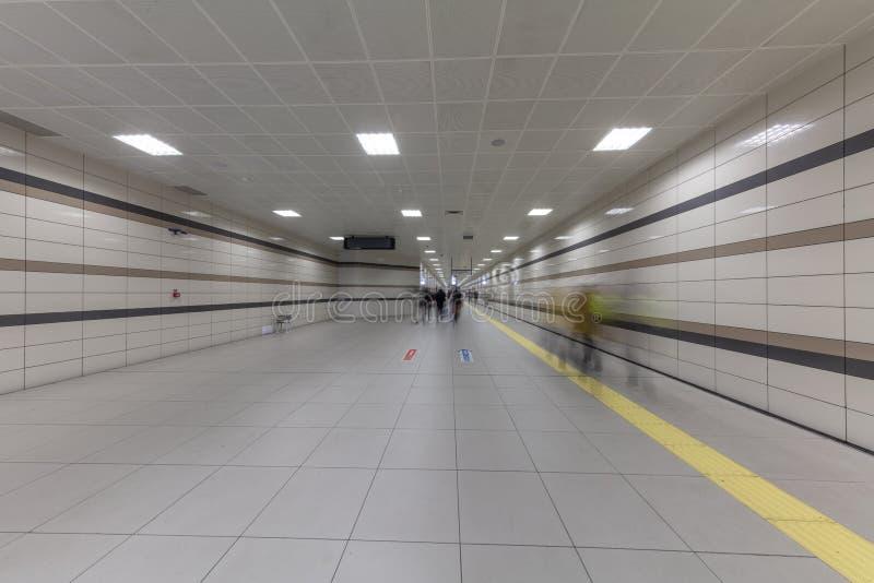 Метро Стамбула Метро, часть Стамбула a перехода центра города обеспечено на метро в Стамбуле стоковое изображение rf