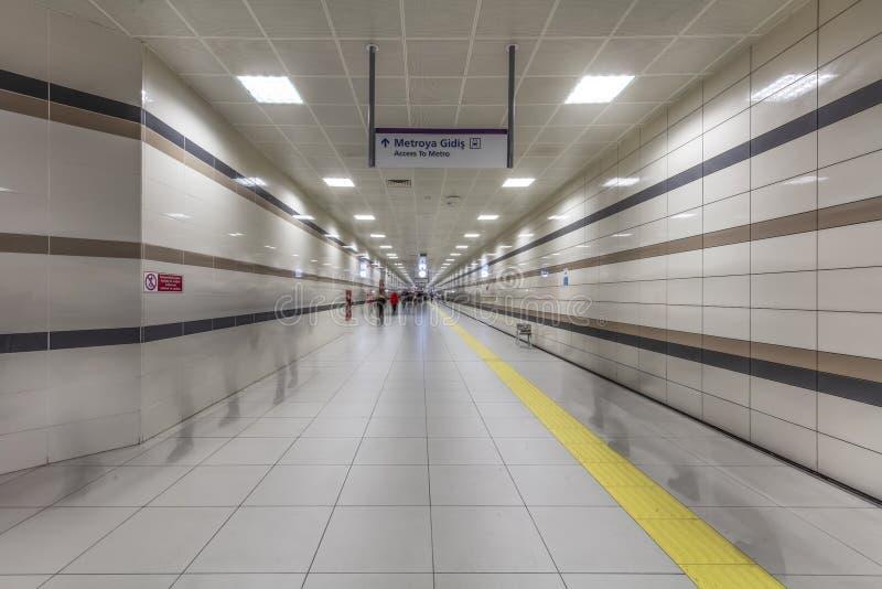 Метро Стамбула Метро, часть Стамбула a перехода центра города обеспечено на метро в Стамбуле стоковое изображение