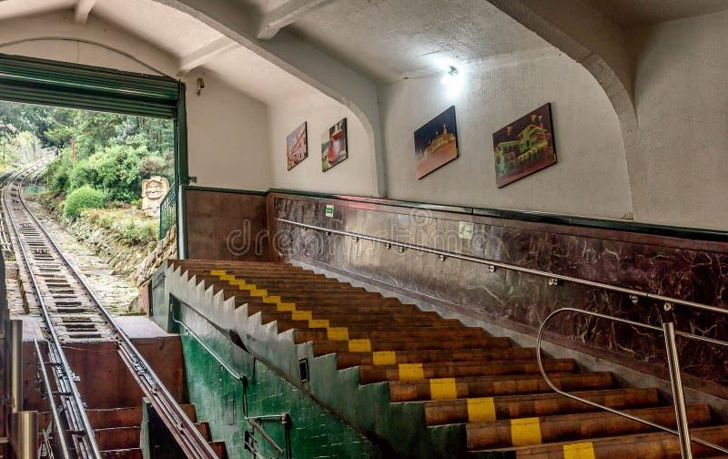 Метро фуникулера фуникулярное самое старое к горе Monserrate в Bogot стоковая фотография