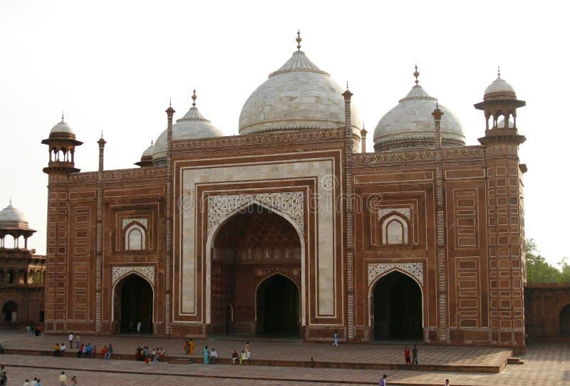 мечети masjid agra Индии taj mahal следующее к стоковое фото rf