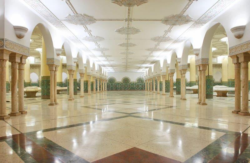 мечеть интерьеров залы омовения стоковое изображение rf