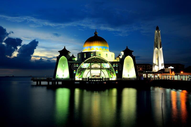 Мечеть проливов Малакки (мечеть Masjid Selat) стоковое фото rf