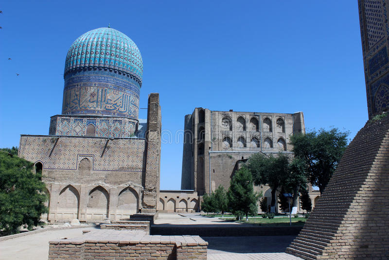 Мечеть Bibi Khanym в Самарканде, Узбекистане стоковое фото rf
