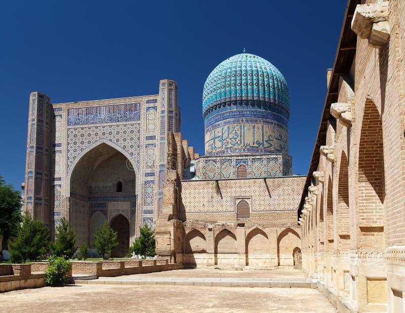 Мечеть Bibi-Khanym - Registan - Самарканд - Узбекистан стоковая фотография
