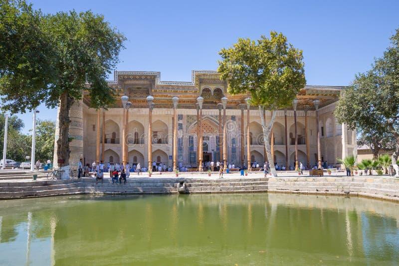 Мечеть bolo-Hauz в Бухаре, Узбекистане стоковое изображение