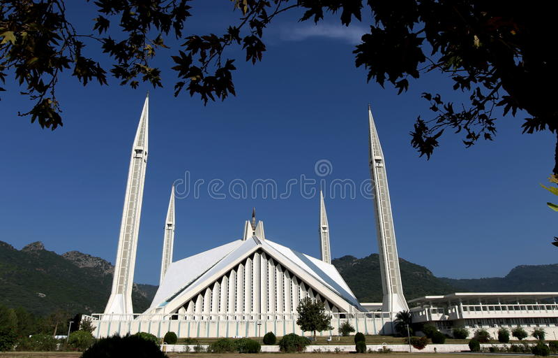 Мечеть Faisal, Исламабад стоковая фотография rf