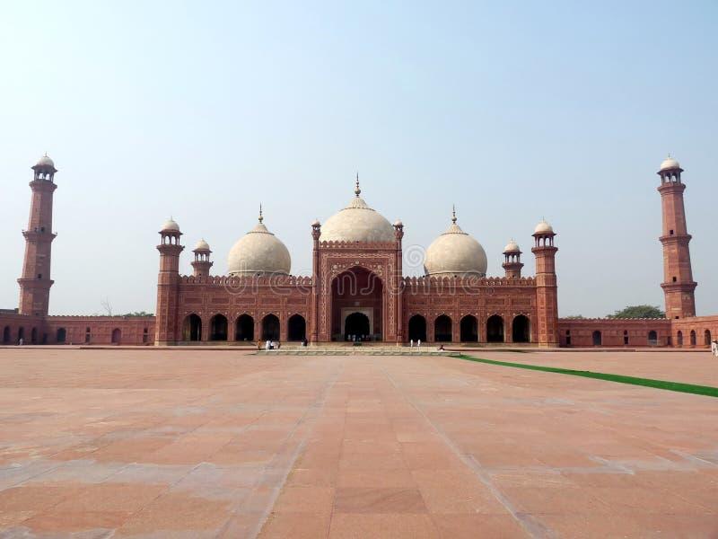 мечеть lahore badshahi стоковые фотографии rf