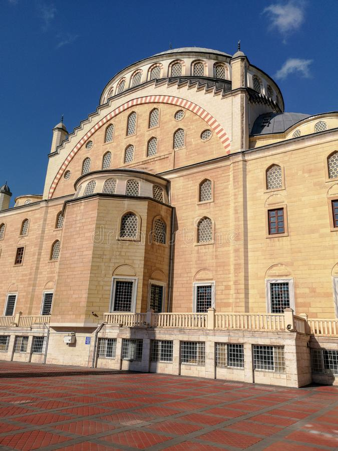 Мечеть Omer Duruk, Atakoy, Стамбул, Турция стоковые фото
