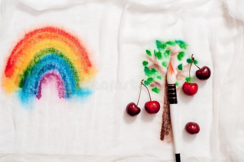 мечтательное и абстрактное изображение вишневого дерева влияние двойной экспозиции с текстурой хода щетки акварели стоковое изображение