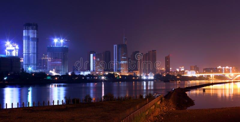 Мечта берега реки на ноче стоковая фотография