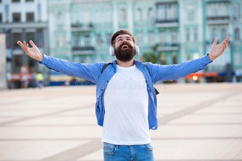 Мечты приходят истинный Концепция перемещения и приключения Туристские каникулы Предпосылка хипстера современная туристская город стоковые фото