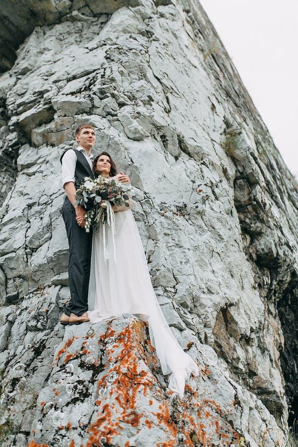 Мечт свадьба в горах стоковое изображение