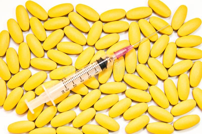 Медицинские-Syrige caplets капсул таблеток пилюлек стоковое изображение