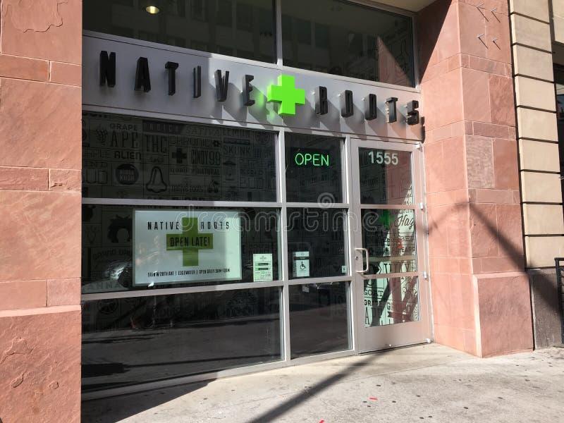 Медицинский и рекреационный профилакторий в Денвере, Колорадо марихуаны стоковая фотография