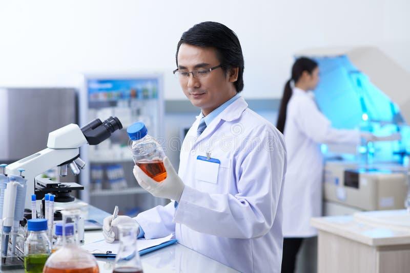 Медицинский ученый стоковые фотографии rf