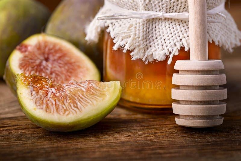 Мед и смоква стоковые фотографии rf