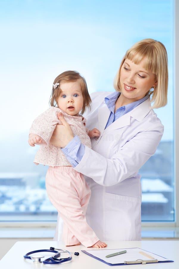 Медсестра и пациент стоковое фото rf