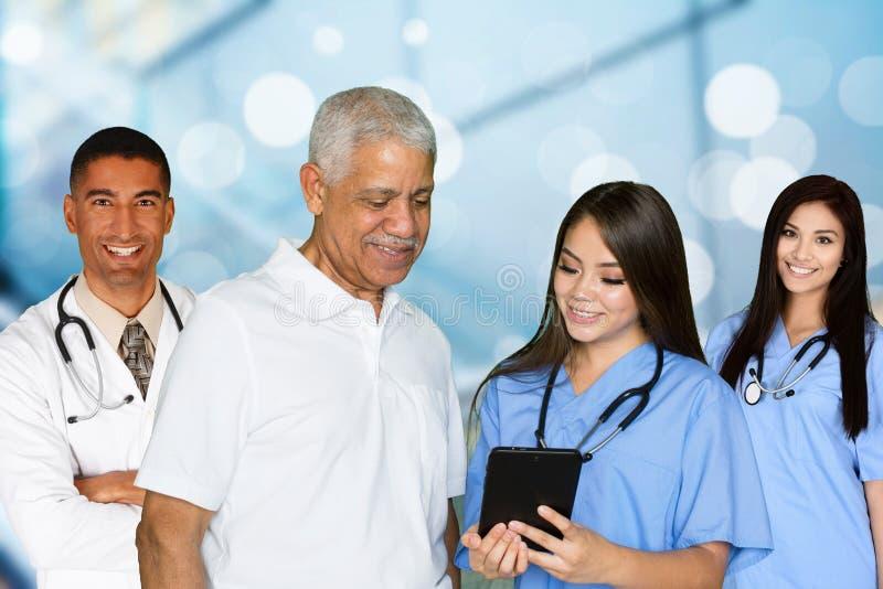 Медсестры и доктора стоковое изображение rf