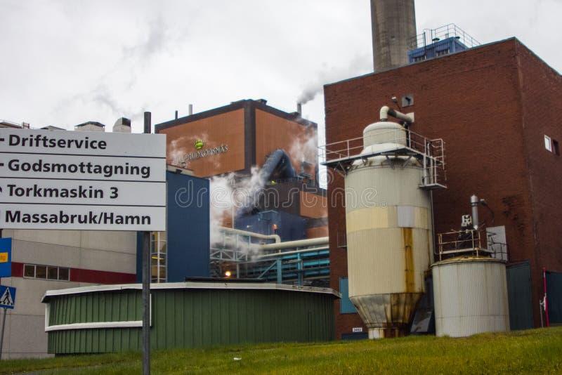 мельница Пульп-и-бумаги в Европе стоковое фото