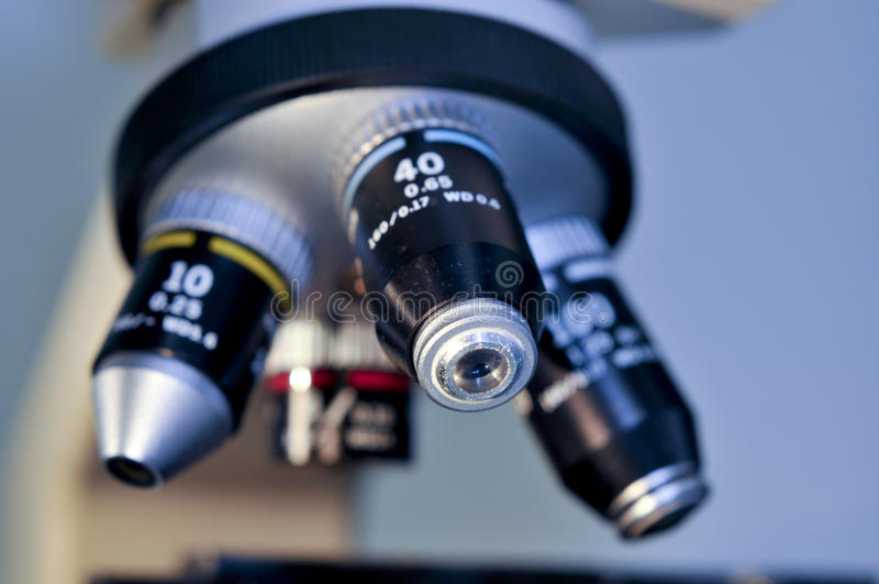 микроскоп объектива крупного плана стоковые фото
