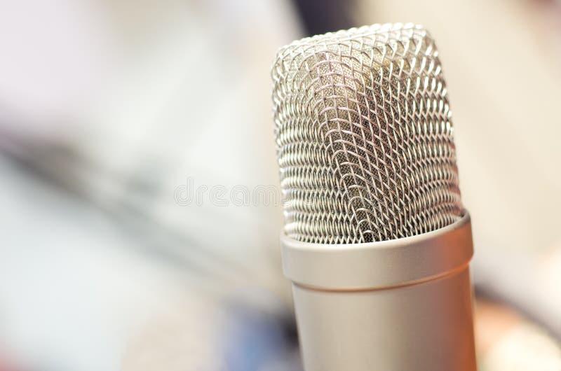 Микрофон передачи студии радио стоковые фотографии rf