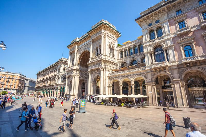 Милан, Италия - 25 06 2018: Вход к Galleria Vittorio Emanuel стоковые фото