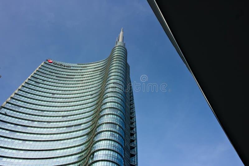 Милан, Италия 21-ое марта 2019 Комплекс недвижимости с небоскребом Unicredit в аркаде Gael Aulenti стоковые изображения