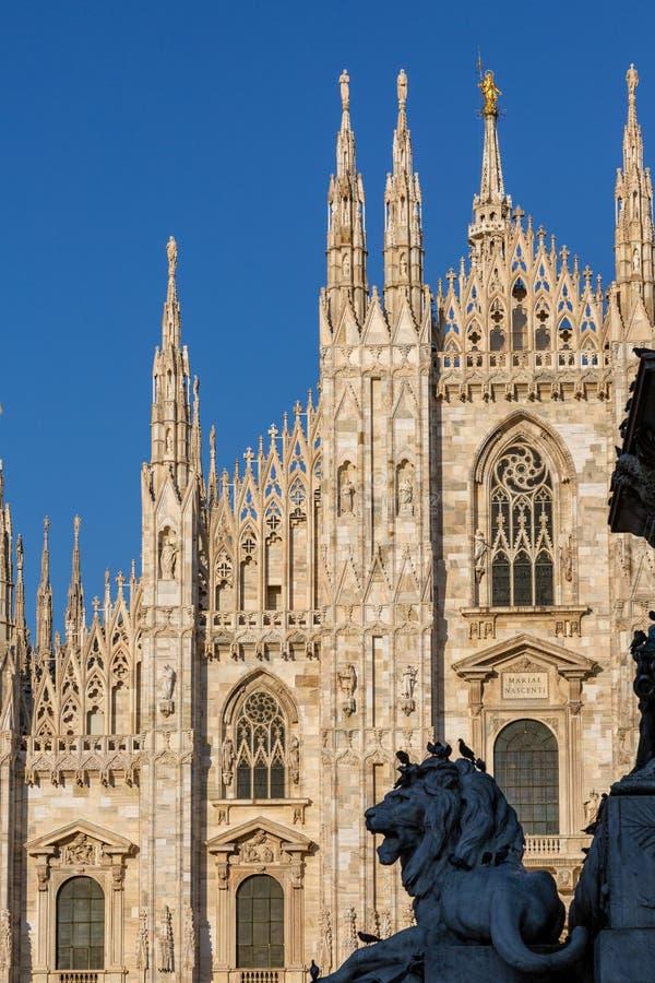 Милан, фасад собора Duomo Италия Ломбардия стоковое фото rf