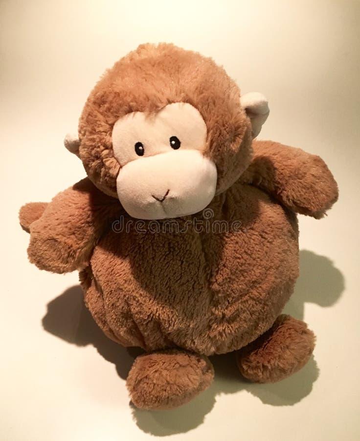 Милая заполненная обезьяна стоковые изображения rf