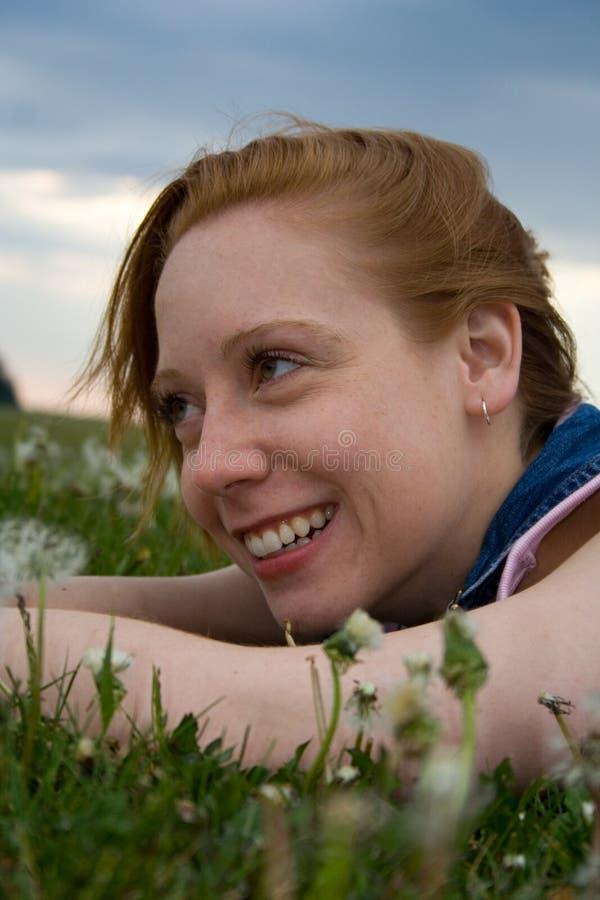 Download милая усмешка стоковое изображение. изображение насчитывающей сидите - 488681