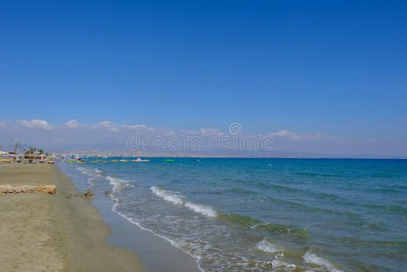 Мили Пляжа дамы, Лимасола, Кипра - 3-ье октября 2017: взгляд t стоковое фото rf