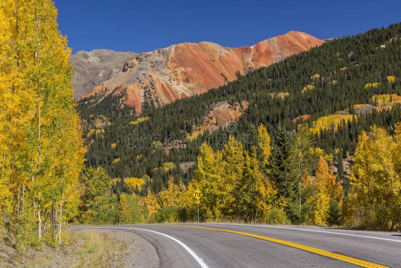 Миллион перевалов красного цвета шоссе доллара стоковое изображение rf