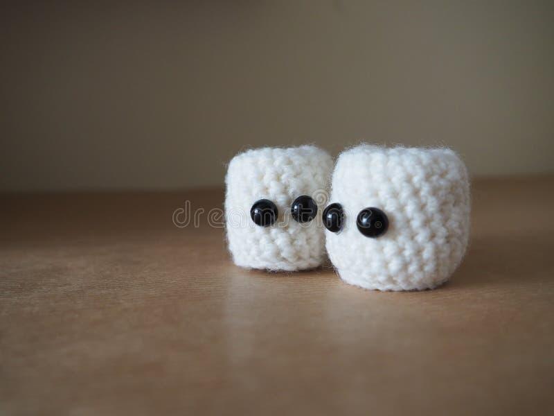 Милые белые зефиры amigurumi стоковое изображение rf