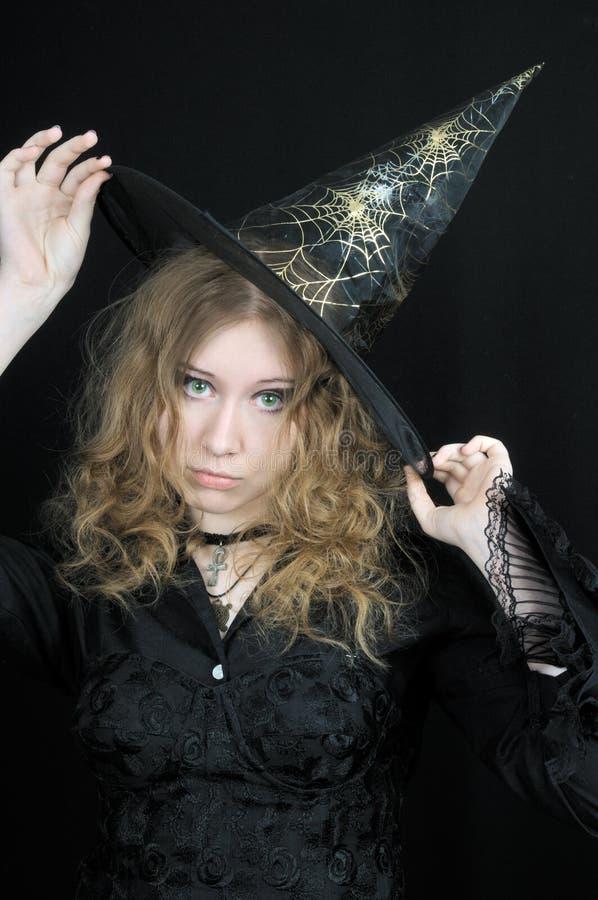 Download милые детеныши ведьмы шлема Стоковое Фото - изображение насчитывающей характеры, глаза: 6862676