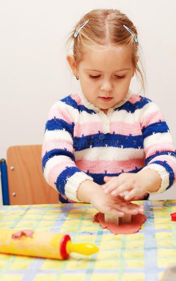 милый играть малыша стоковая фотография rf