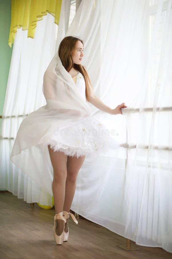 позировала светлом екатерина гусева в роли балерины фотографии хороша тем