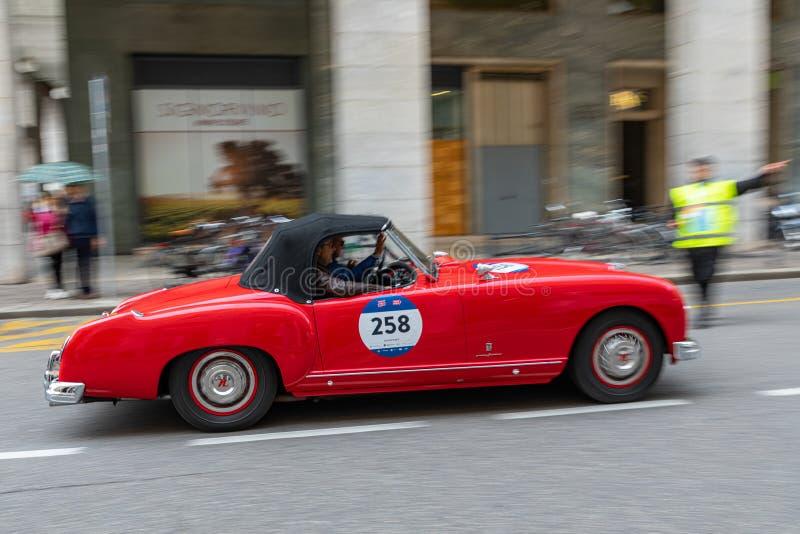 1000 миль 2019, Брешия - Италия 14-ое мая 2019: Исторические автогонки Mille Miglia Начало гонки в Брешии r стоковое фото