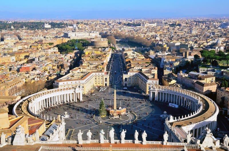 Мимолётный взгляд аркады Сан Pietro стоковая фотография