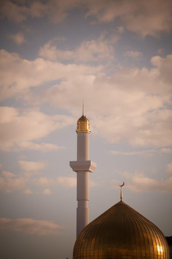 Минареты от мечети стоковое изображение rf