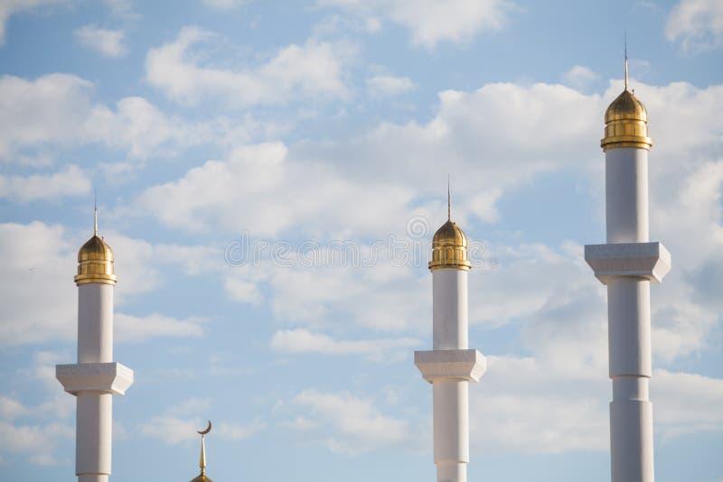 Минареты от мечети стоковая фотография rf